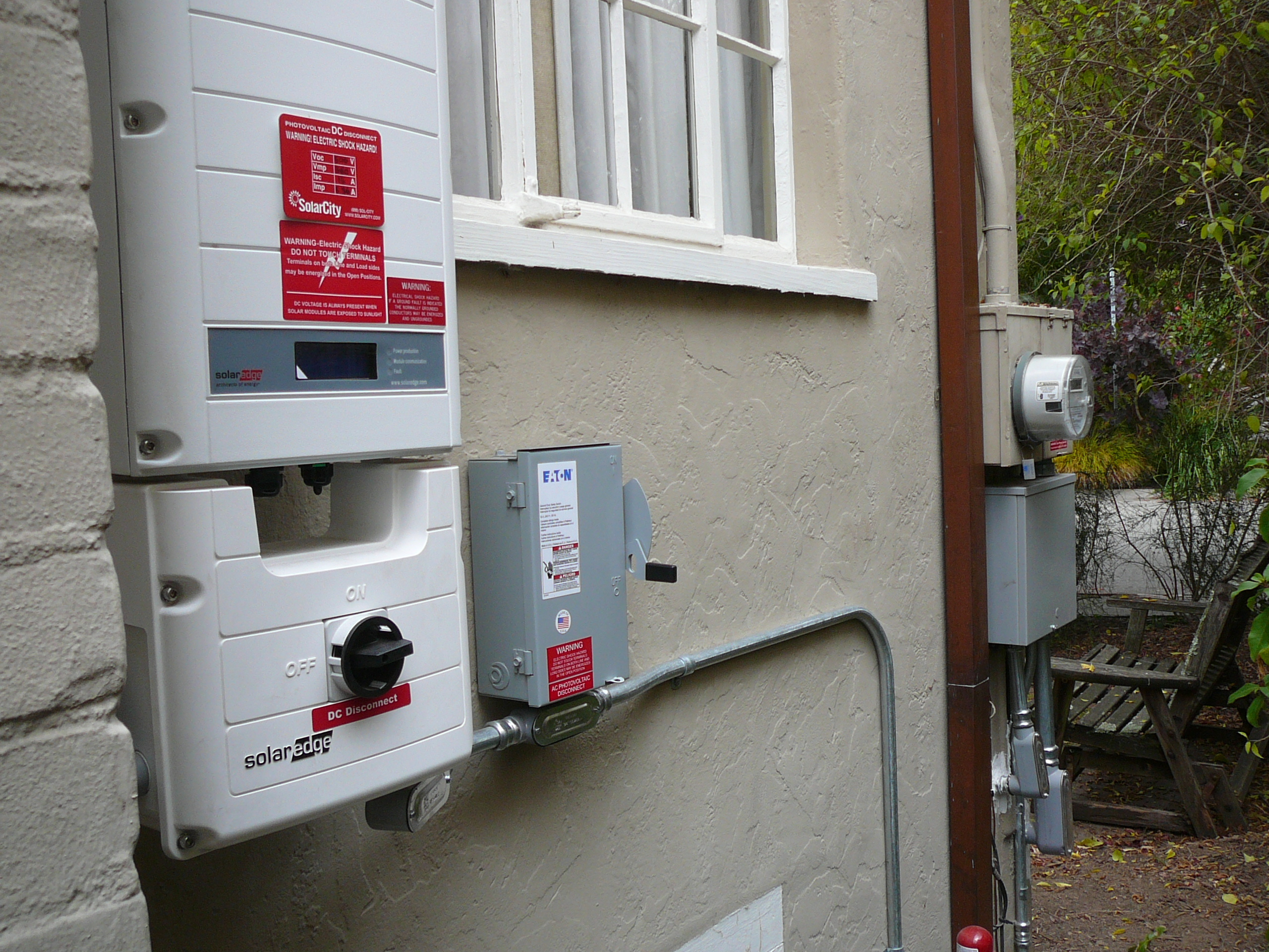 Left to right: inverter, off-on switch, conduit, old and new box